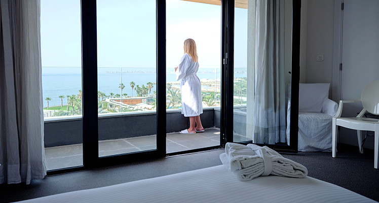 Deluxe-Sea-View-room-3