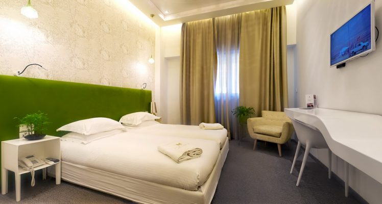 Green-and-yellow-room